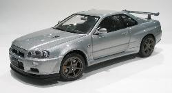 Nissan SkylineGT-R (R34) V SPEC II1/24 SCALE Die Cast EBBRO- PREMIUM COLLECTION
