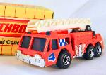 MATCHBOX -MB 18- EXTENDING LADDER FIRE ENGINE #4 (FLUORESCENT ORANGE)